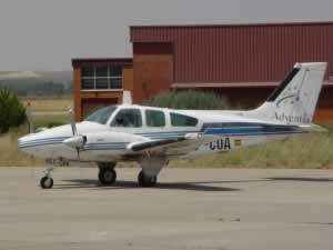 Beechcraft BARON (B-55)